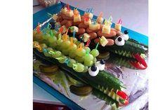 Hvad skal dit barn dele ud til sin fødselsdag? Vi har samlet 20 af de bedste frugt arrangementer i denne artikel, så du kan lade dig inspirere.