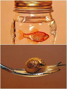완전 아끼던 두아이가 싸치를 통해 스위스로 시집갔습니다^^ Two works were married to a famous swiss collector by Saatchi Gallery^^ #김영성#YoungsungKim#극사실#Hyperrealism#realistic#painting#drawing#artist#artwork#개구리#달팽이#물고기#곤충#동물#환경#environment#frog#snail#fish#insect#animal#glass#spoon#jar#saatchi#swiss#switzerland