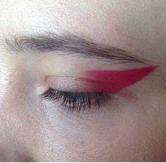 iona the loner. — dentureteeth: eyes by fka twigs' makeup artist,… iona the loner. — dentureteeth: eyes by fka twigs' makeup artist,… Love Makeup, Makeup Inspo, Makeup Art, Makeup Inspiration, Beauty Makeup, Makeup Looks, Hair Makeup, Makeup Ideas, Geisha Makeup
