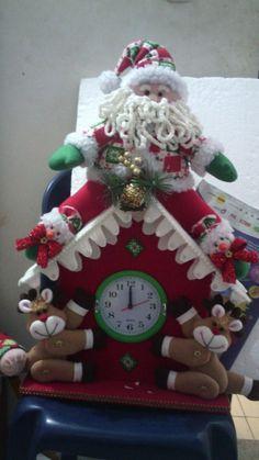 Christmas Crafts, Christmas Ornaments, Holiday Decor, Home Decor, Tela, Wall Clocks, Christmas Angel Ornaments, Christmas Things, Needle Felted Ornaments
