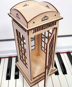 Phone booth London from Plywood, Project for vector graphics, laser cutting DXF. Trotec Laser, Laser Art, Laser Cut Wood, Laser Cutting, Plywood Projects, Router Projects, Woodworking Projects, Laser Cutter Ideas, Laser Cutter Projects