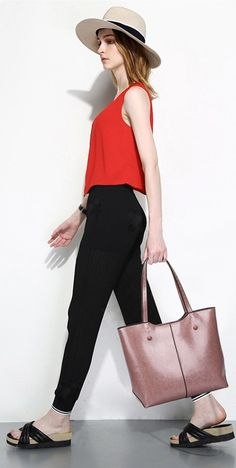 Large messenger bag for women made with PU leather. High quality crossbody bag available in 3 colors. We offer free worldwide shipping for all orders. Hobo Crossbody Bag, Large Crossbody Bags, Tote Bags, Trendy Purses, Cheap Purses, Handbags Online, Purses And Handbags, Large Messenger Bags, Luxury Purses