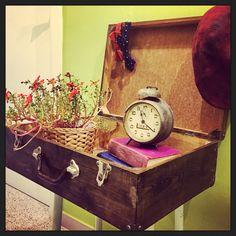 Disponible esta maleta antigua de madera!