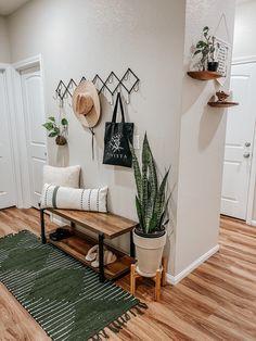 Narrow Hallway Decorating, Cheap Cushion Covers, Entryway Bench, Boho Decor, Bedroom Ideas, Minimalism, Sweet Home, New Homes, Cushions