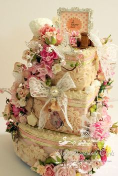 ❤°(¯`★´¯)Shabby Chic(¯`★´¯)°❤ Altered 3 Tier Cake Boxes Shabby Vintage, Vintage Crafts, Shabby Chic Boxes, Shabby Chic Crafts, Shabby Chic Decor Living Room, Shabby Chic Bedrooms, Pillos, Wholesale Ribbon, Chabby Chic