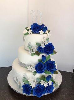 wedding cakes blue Wedding Cakes Royal Blue And Silver Flower 67 Ideas Royal Blue Wedding Cakes, Floral Wedding Cakes, Fall Wedding Cakes, Wedding Cakes With Flowers, Elegant Wedding Cakes, Beautiful Wedding Cakes, Wedding Cake Designs, Beautiful Cakes, Royal Blue Cake