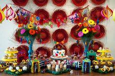 Mesa decorada para festa junina infantil