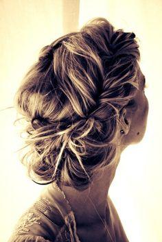 low twisted bun #wedding #weddinghair