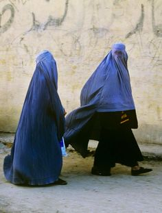 Kabul, Afghanistan #Steve McCurry Steve Mccurry, Namaste, Vivre A New York, World Press Photo, Picture Stand, Story Of The World, Color Pictures, Famous Photographers, Contemporary Photography