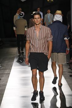 Browse Michael Bastian's Spring / Summer 2010 looks. Designer runway and lifestyle images, only available here at Michael Bastian NYC