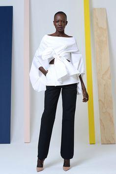 Rosie Assoulin Fall/Winter 2014 Trunkshow Look 8 on Moda Operandi New Yorker Mode, Look Chic, Fashion Show, Fashion Design, White Fashion, New York Fashion, African Fashion, Madrid, Ready To Wear