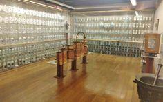 Vista general del Museo de Farmacia (Arco de Sta. María, Burgos)