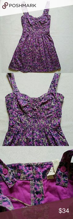 "Free People Purple Flower Fitted  Dress Size 0. Fitted dress with bustier style top. Blue and purple floral print. Sweetheart neckline. Pockets at waist. 31"" in length. Waist and chest have elastic. Free People Dresses Mini"