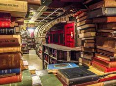 A difícil decisão de desistir de ler um livro.