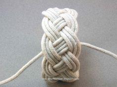 turks head knots, knotting, rope bracelet designs, fiber art bracelets, color, design, texture, techniques and tutorials, reviews, links and comments