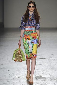 Catwalk photos and all the looks from Stella Jean Spring/Summer 2015 Ready-To-Wear Milan Fashion Week