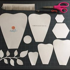 This is for making a giant paper flower. Digital template contains 5 different size petals, base and center. You can download upon your order. You will receive: 1- 4 page long pdf file. 9- svg files. You can make 16 inches + size flower. Multi size petals allow you to make different flowers