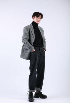 Check Out These Top korean street fashion 0371 80s Fashion Men, Korean Fashion Trends, Korean Street Fashion, Look Fashion, Fashion Menswear, Korean Male Fashion, Celebrities Fashion, Latex Fashion, Fashion Vintage