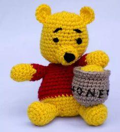 Free Crochet Pattern - Winnie the Pooh amigurumi toy
