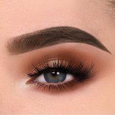 50 Makeup Looks Anyone Can Copy 50 Makeup Looks Anyone Can Copy Casual Makeup, Glam Makeup, Makeup Inspo, Makeup Inspiration, Style Inspiration, Gorgeous Eyes, Gorgeous Makeup, Eyebrow Makeup, Skin Makeup