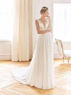 Balta Wedding Dress from La Sposa La Sposa Wedding Dresses, Lace Wedding Dress, Bridal Gowns, One Shoulder Wedding Dress, Happy Brautmoden, Wedding Dress Crafts, Pronovias Dresses, San Patrick, Tulle