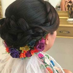 Mexican Hairstyles, Quince Hairstyles, Wedding Hairstyles, Mexican Quinceanera Dresses, Mexican Dresses, Quinceanera Cakes, Mexican Themed Weddings, Mexican Wedding Traditions, Charro Wedding