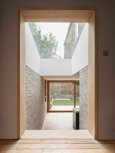 Al-Jawad Pike Private House, Stoke Newington, London — Architecture Interior Design Kitchen, Interior And Exterior, Architecture Details, Interior Architecture, London Architecture, Windows Architecture, Exterior Tradicional, Interior Minimalista, Design Minimalista