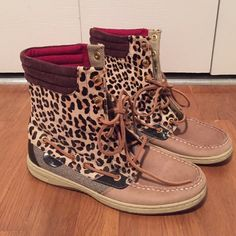 Sperry Leopard print boots These lace up leather boots have fun leopard pattern mixed with a classic Sperry style. Their red lining gives an extra stylish touch. Sperry Top-Sider Shoes Lace Up Boots