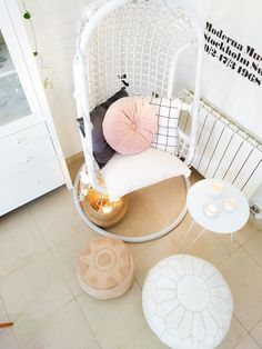 Una coqueta play room gris y mint - Boho Deco Chic Decor Interior Design, Interior Decorating, Boho Deco, Deco Design, Nordic Style, Interiores Design, Hanging Chair, Playroom, Diy