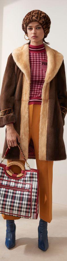 Pre-Fall 2018 Fendi Fashion 2018, Fashion Show, Womens Fashion, Fashion Design, Fashion Trends, Beautiful Outfits, Cool Outfits, Tweed Coat, Italian Fashion