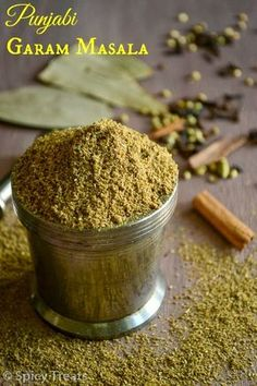 Homemade Spice Blends, Homemade Spices, Homemade Seasonings, Spice Mixes, Homemade Curry, Punjabi Garam Masala Recipe, Garam Masala Powder Recipe, Masala Spice, Chai Recipe