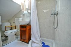 Schau Dir dieses großartige Inserat bei Airbnb an: S. Vintage Zimmer im Dachgeschoss - Häuser zur Miete in Poreč