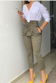 Stunning Work Outfits Style Ideas For Spring « letterformat. Look Fashion, Fashion Pants, Fashion Dresses, Spring Fashion, Winter Fashion, Fashion Women, Nordstrom Womens Clothing, Cute Casual Outfits, Stylish Outfits