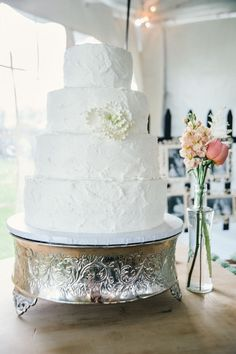 The more tiers, the better! #weddingcake {@hpanovska}