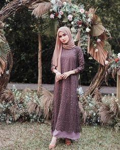 Ootd ondangan ✨ Tap for details 🖤 Hijab Prom Dress, Dress Brukat, Hijab Gown, Kebaya Hijab, Muslimah Wedding Dress, Hijab Style Dress, The Dress, Dress Outfits, Casual Hijab Outfit