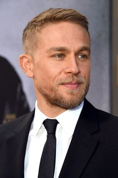 Charlie Hunnam Photos Photos Premiere of Warner Bros Pictures King Arthur Legend of the Sword Red Carpet is part of Hair and beard styles - Roi Arthur, King Arthur, Best Short Haircuts, Haircuts For Men, The Sword, Short Hair Cuts, Short Hair Styles, High And Tight Haircut, Flat Twist Hairstyles