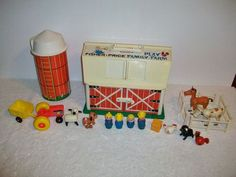 Vintage Fisher Price Little People Play Family Farm #915  Wood People