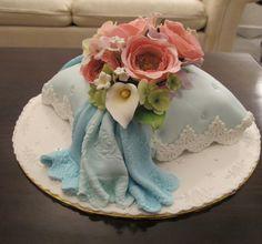 Pillow Cake / mycuppycupcake