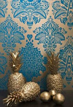 The 4 Wallpaper Trends That Are Primed to Dominate in 2016 Home Staging, 4 Wallpaper, Amazing Wallpaper, Wallpaper Ideas, Metallic Wallpaper, Bedroom Wallpaper, Wallpaper Samples, Colorful Wallpaper, Paper Fruit