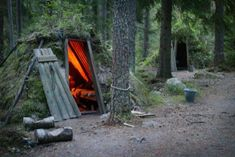 """At Sweden's most primitive """"hotel"""", Kolarbyn Eco-Lodge will place you in cozy forest huts with neither electricity nor running water to guarantee the most unusual trip into the wild. Kolarbyn Eco-Lodge is all about preserving the nature &. Survival Shelter, Wilderness Survival, Camping Survival, Bushcraft Camping, Homestead Survival, Survival Tips, Unique Hotels, Beautiful Hotels, Best Hotels"""