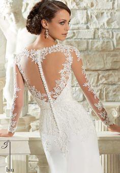V Neck Long Sleeved Lace Bodice Sheath Chiffon Wedding Dress with Crystal Waist