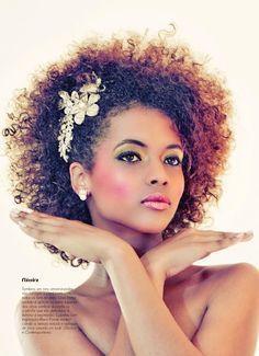 Natural Hair Wedding, Curly Wedding Hair, Bridal Hair, Afro Wedding Hairstyles, Afro Hairstyles, Wedding Hair Inspiration, Natural Hair Inspiration, Brazilian Women, Black Brazilian