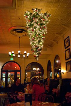 Upside down tree At Joe's. Wonder how many other restaurants do this?