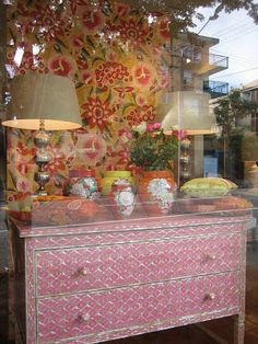 absolutely beautiful things: New Window Display at Black & Spiro