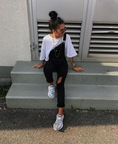 Black dungaree + white tee. Basic + casual streetwear perfect school outfit