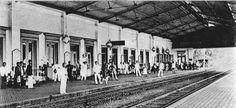 Stasiun Bogor 1904 Old Pictures, Old Photos, Vintage Photos, Dutch East Indies, Dutch Colonial, Bogor, History Photos, Old City, Jakarta