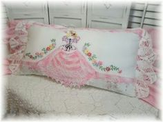 Vintage handmade art and design decor for you and your home Embroidery Designs, Vintage Embroidery, Vintage Lace, Embroidery Stitches, Hand Embroidery, Vintage Pillow Cases, Vintage Pillows, Vintage Fabrics, Sewing Crafts