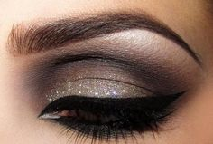 Eye make-up - Black liner