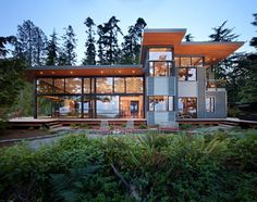 Gorgeous and Green Home near Puget Sound. Forget the Sleepless in Seattle house, I want to live here!