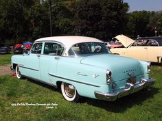 I seriously love this paint color for this %%KEYWORD%% Vintage Cars, Antique Cars, Vintage Auto, Desoto Firedome, Desoto Cars, Old School Cars, Car In The World, Buick, Old Cars